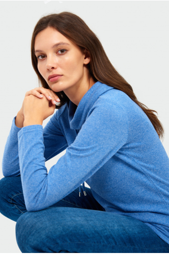 Sweter o luźnym kroju ze stójką