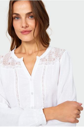 Elegancka bluzka z ozdobną koronką