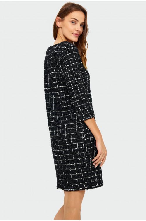 Sukienka o luźnym kroju w kratę
