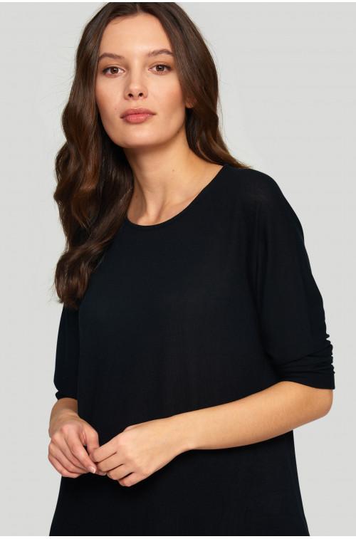 Sweter o luźnym kroju z szyfonową wstawką