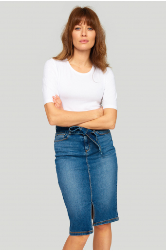 Denimowa spódnica z paskiem