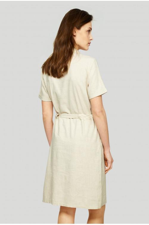 Sukienka typu szmizjerka z wiązaniem w pasie