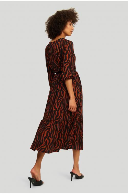 Dzianinowa sukienka z nadrukeim