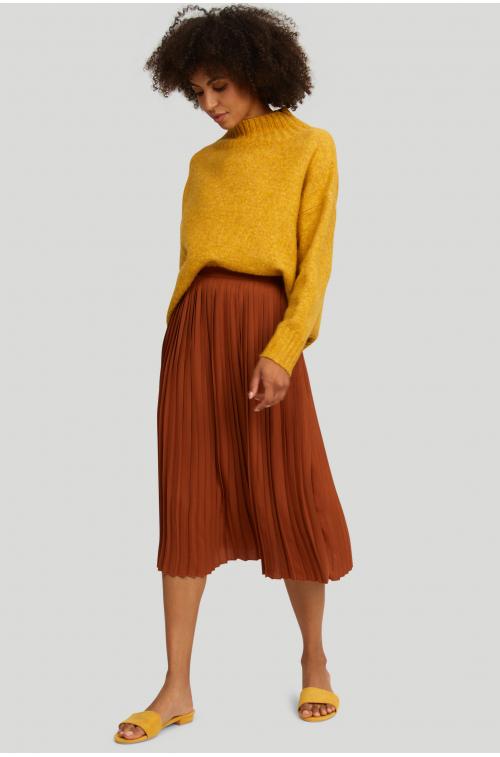 Sweter o luźnym fasonie, z półgolfem