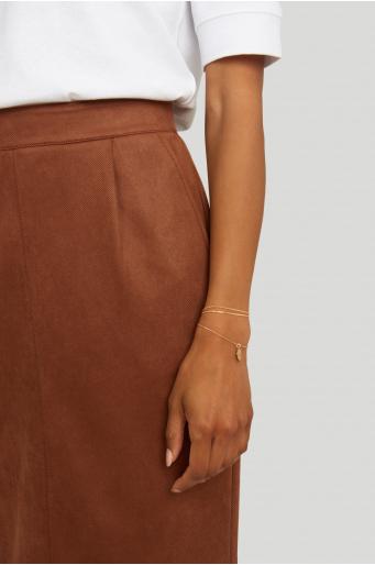 Ołówkowa spódnica z przeszyciem