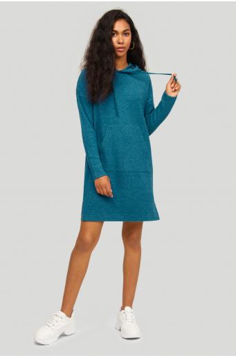 Dzianinowa sukienka z kapturem