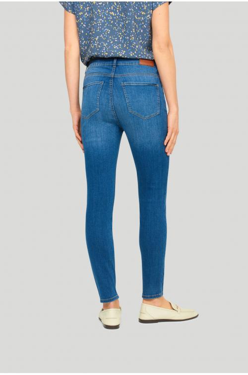 Elastyczne denimowe spodnie o kroju slim-fit