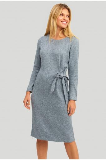 Dzianinowa sukienka z asymetrycznym wiązaniem